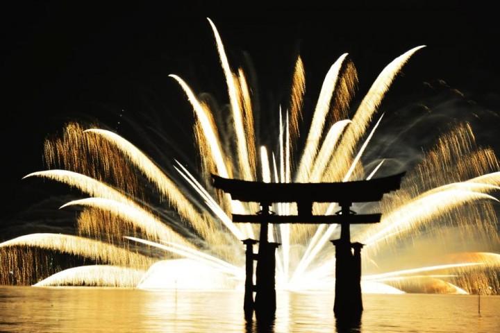Mari Mengenal Asal-usul dan Cara Menikmati Kembang Api di Jepang!