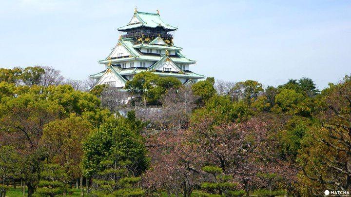 大阪随一の名所、「大阪城公園」で史跡と梅や桜の自然を巡る旅