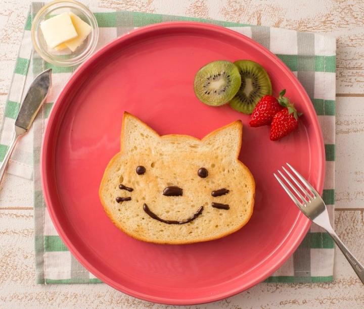 Osaka's Cutest Bread - Blue Jean Bakery's Cat-Shaped Baked Goods