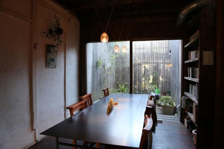 京都・中京,町家咖啡馆与迷人松饼香:雨林舍