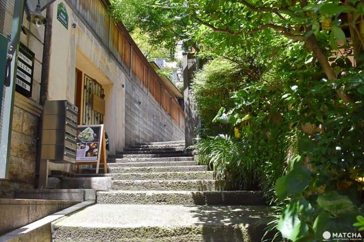 여기는 에도?! 도쿄?! 시끌벅적한 곳을 벗어나 한적한 '카구라자카(神楽坂)'를 걷다