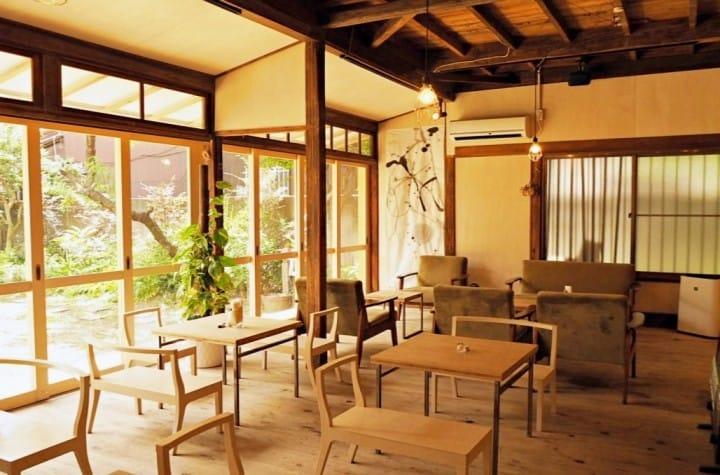 『近巢鸭』沐浴在暖阳下的古民家小庭院ひだまり咖啡