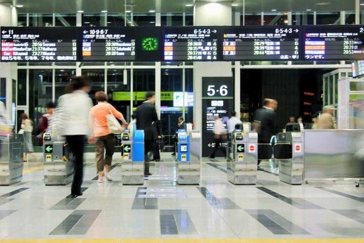 在车站里找不着北?搭乘电车时可以使用的9例日文短语