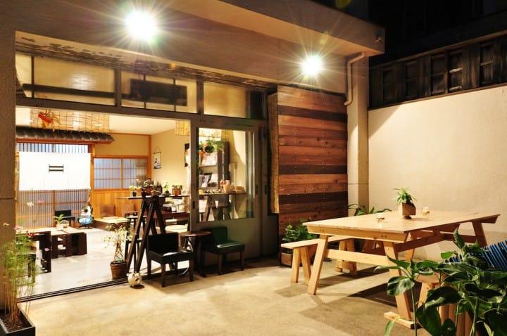 【京都】 二條城巷弄內的木質小清新民宿「SUZUKI GUESTHOUSE」