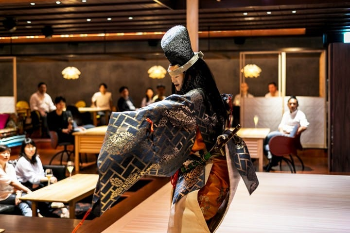 Watch Japanese Performing Arts Up Close! 5 Reasons To Dine At SUIGIAN