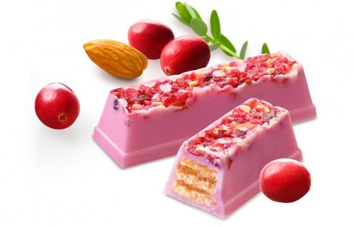 KITKAT Ruby Chocolate Nuts and Cranberry คิทแคท รูบี้ช็อกโกแลต ใหม่!
