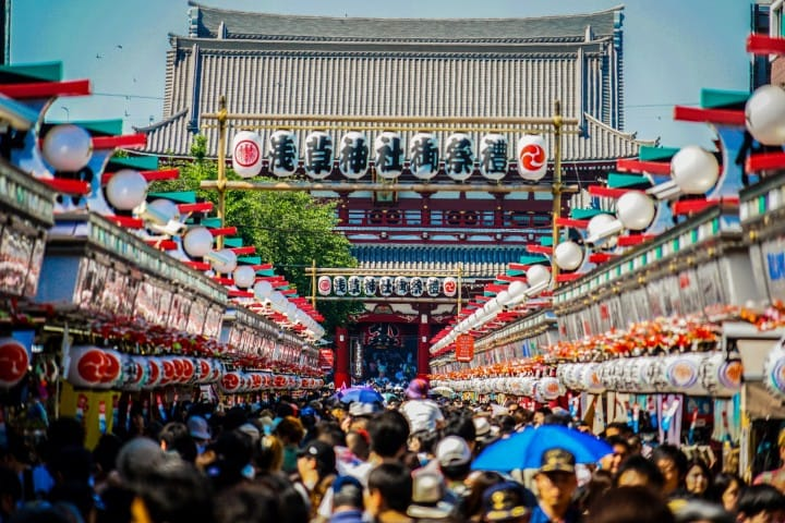 Nakamise Dori - A Guide To Asakusa's Popular Souvenir Street