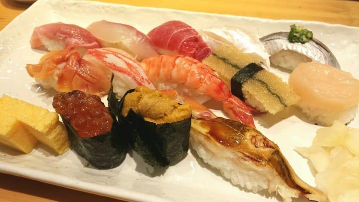 7 Tempat di Tsukiji yang Wajib Dikunjungi