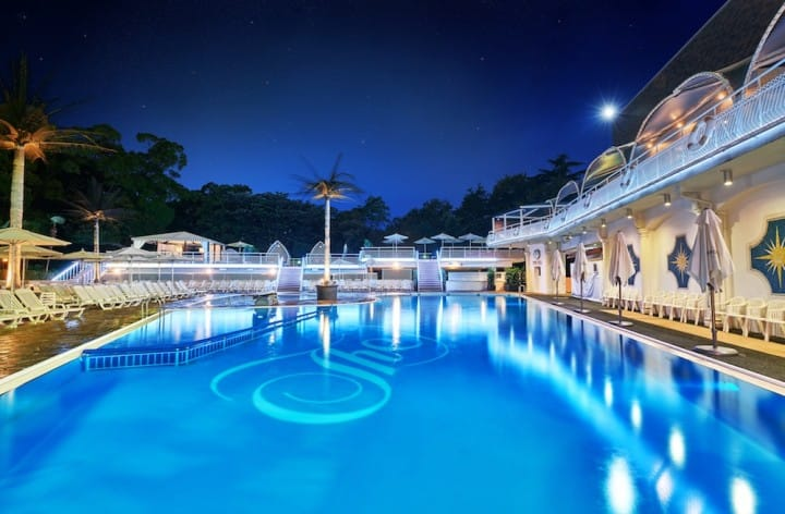Hotel New Otani – Spend The Tokyo Summer At A Resort Night Pool!