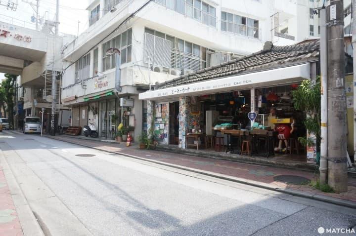 『沖繩』隱身國際通巷弄的浮島通|來場新舊交織的在地散步