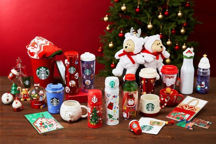 Starbucks Japan Introduces Their Adorable Christmas Goods