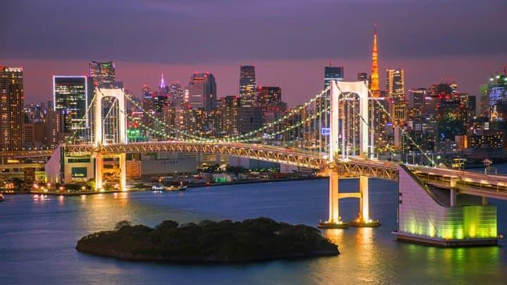 ชมวิวโตเกียวยามค่ำคืนและดอกไม้ไฟแสนสวยที่ตึกฟูจิทีวี โอไดบะ