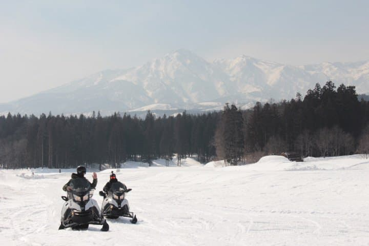 Snow Lovers, Come To Niigata! Snowmobiling At YUKISATO Lodge
