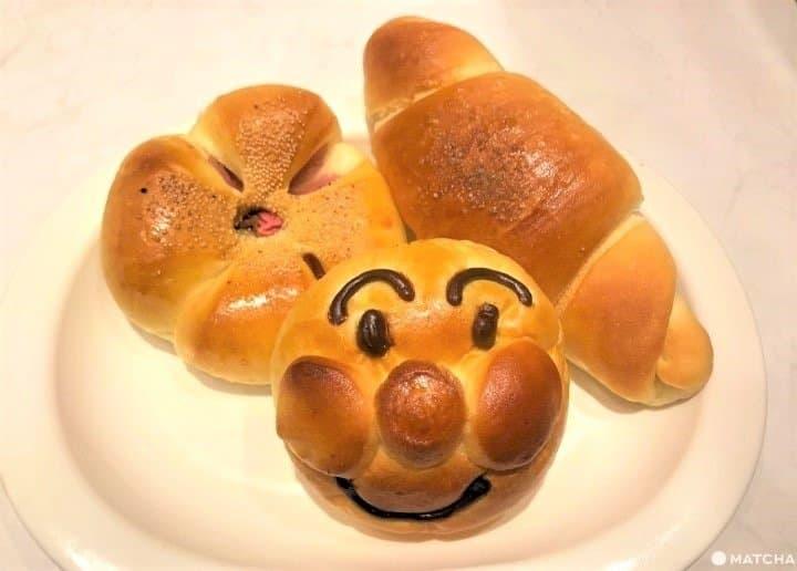 食パン、メロンパン、チョココロネも!日本独自のアレンジパン8選