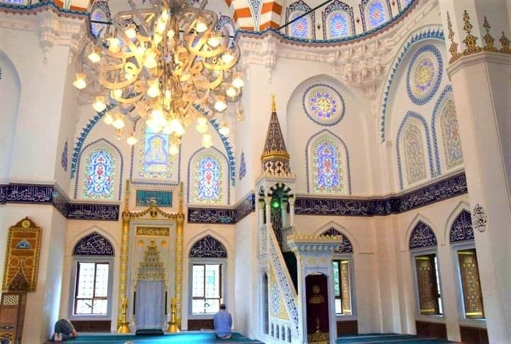 Tokyo Muslim Guide - 5 Mosques Near Famous Destinations