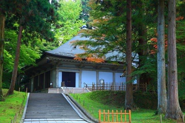 絢爛豪華な仏教史跡。岩手・平泉の世界遺産のめぐり方