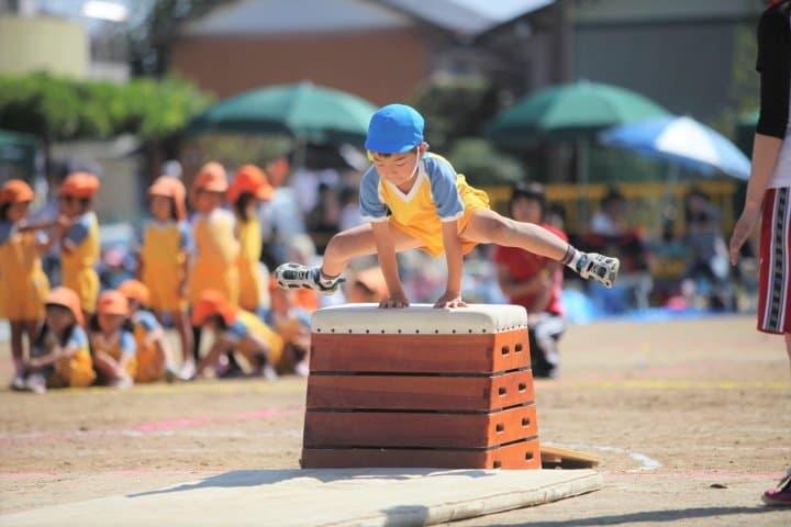 到底要去哪一間?日本保育園和幼稚園的保育時間與費用比較
