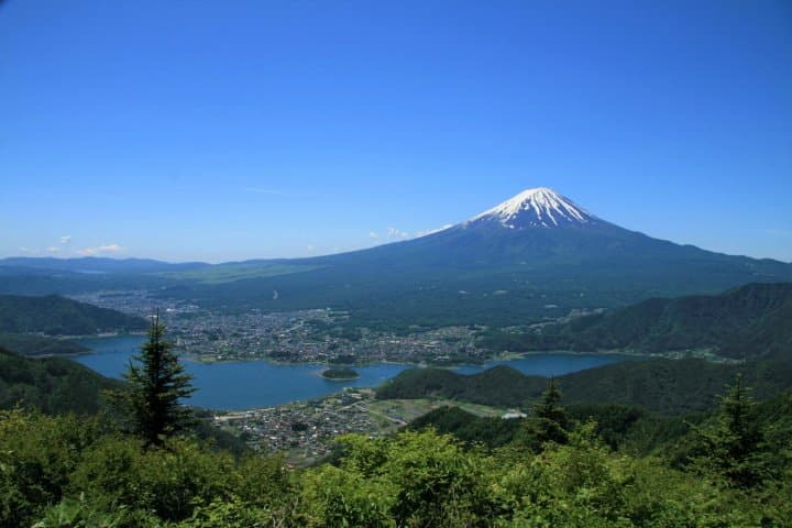 Fuefuki: Exquisite Wine, Fruit, And Hot Springs Near Mt. Fuji